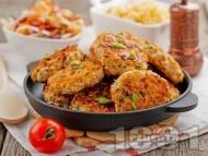 Пържени кето пилешки кюфтета с месо от гърди на тиган